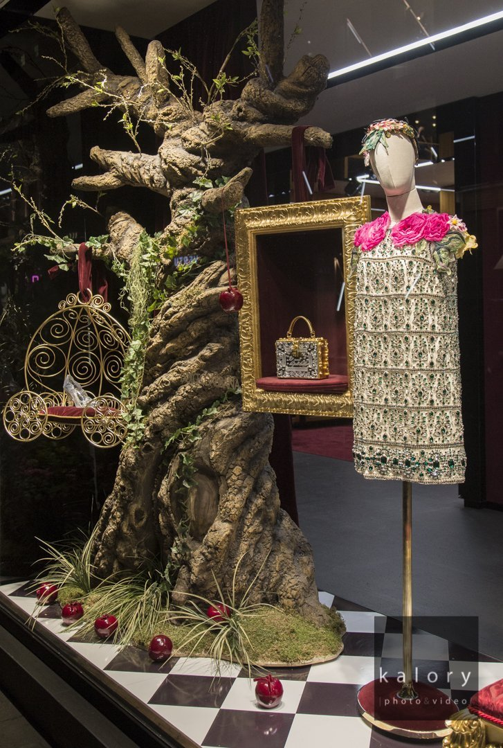dolce-gabbana-london-store-display