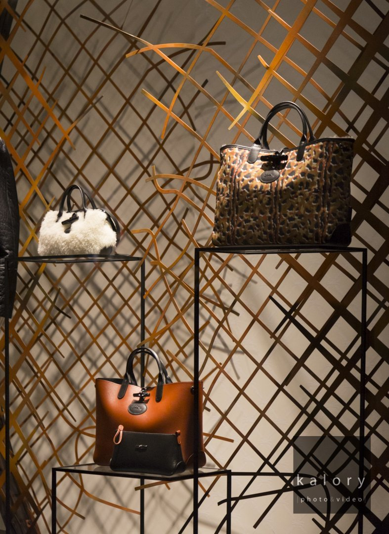 longchamp-leather-goods-retail-photography