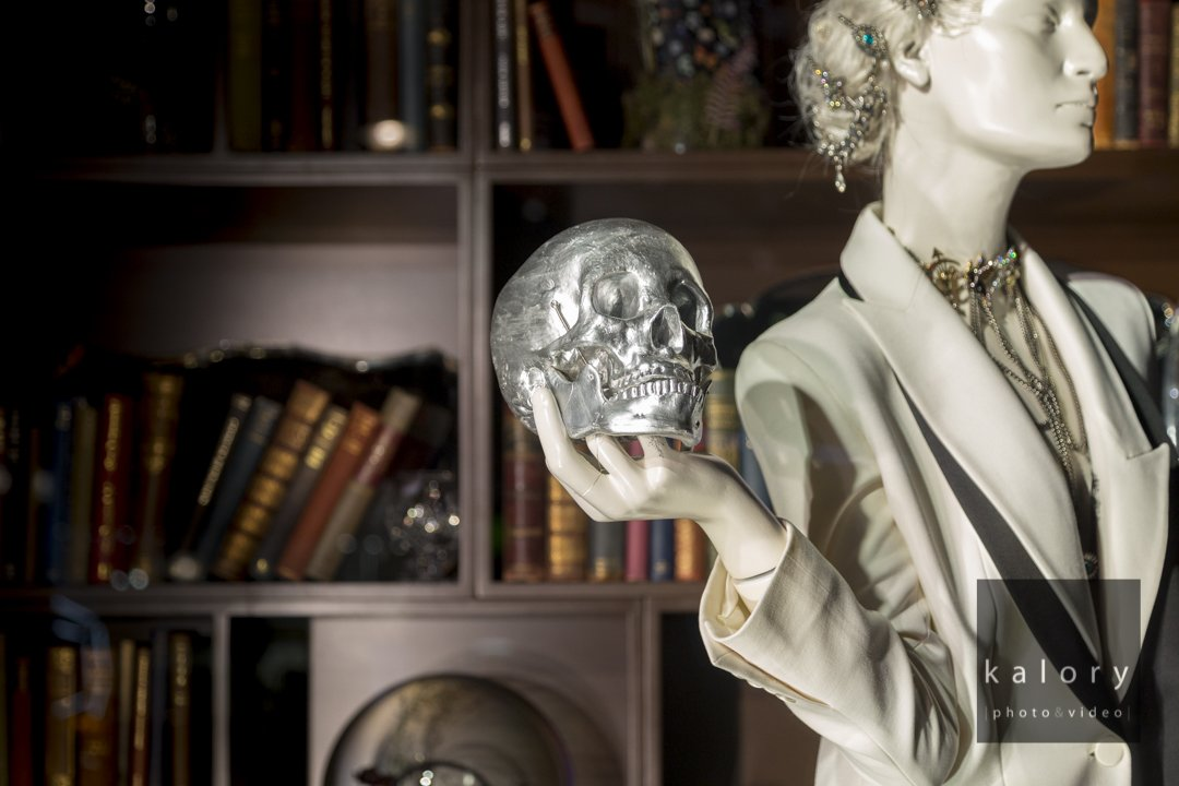selfridges-hamlet-visual-merchandising-display-inspiration
