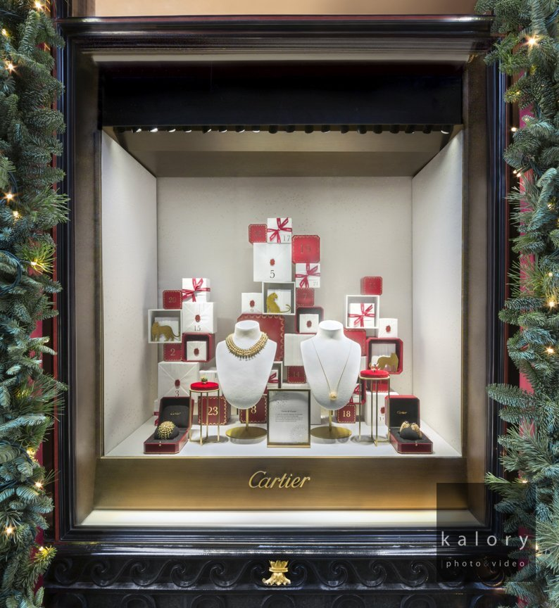 Photographs Of The Christmas Windows At Cartier Bond