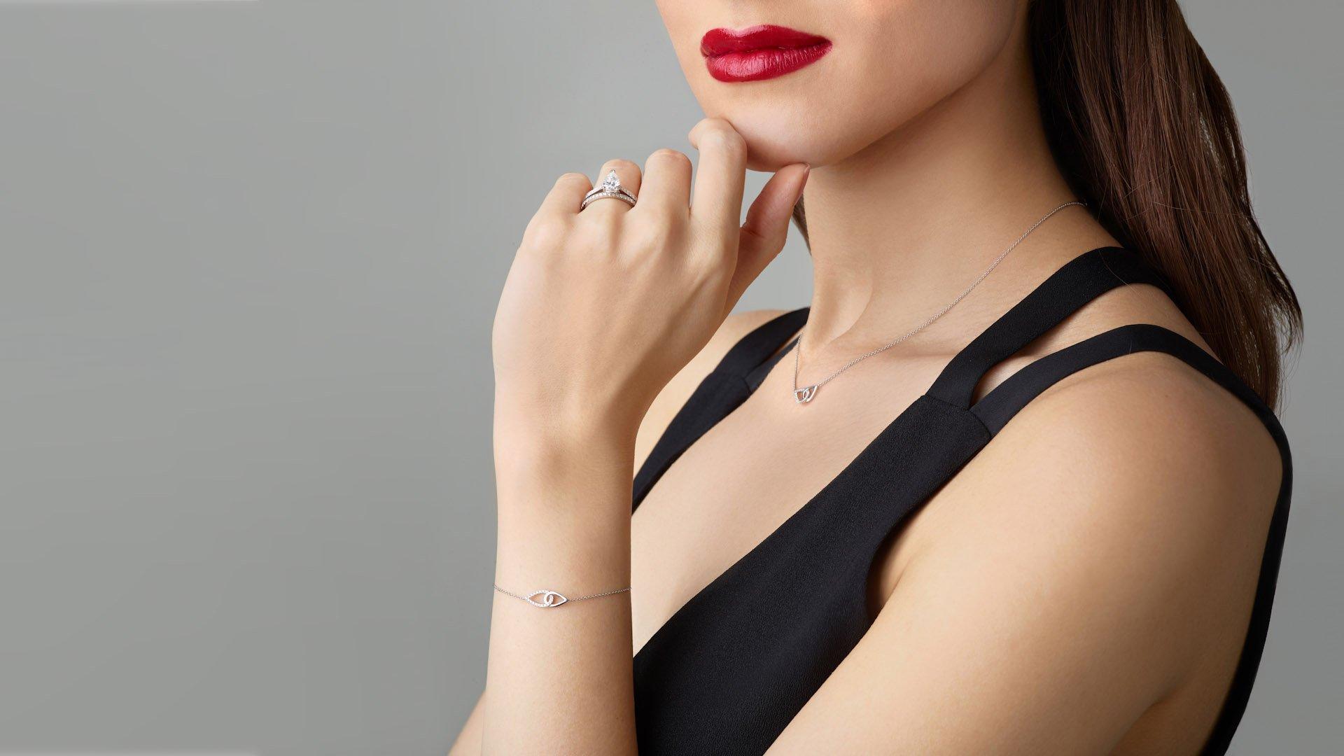 jewellery work by a model