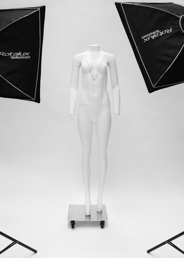 Invisible mannequin